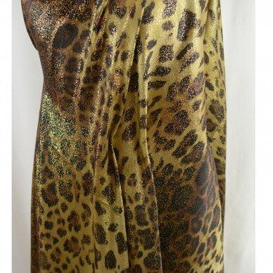 Saulėje spindinčio leopardo šilkas 4