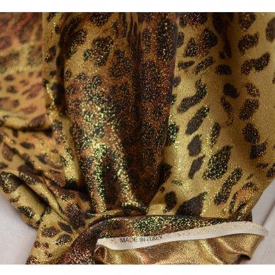 Saulėje spindinčio leopardo šilkas 2