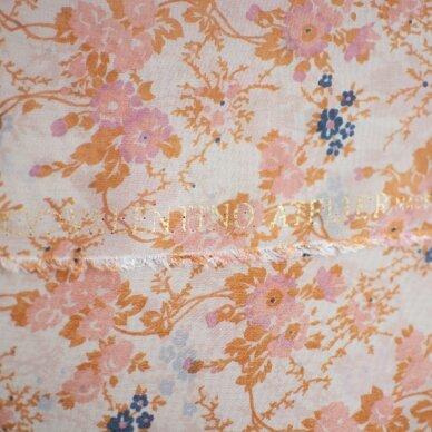 VALENTINO rausvų gėlyčių šilkas 6